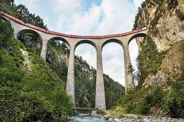 Bernina Express CSwiss Travel System swiss image ch Marcus Gyger