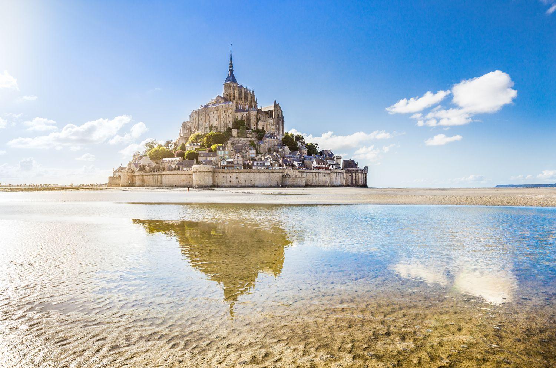 Mont Saint Michel iStock492943036