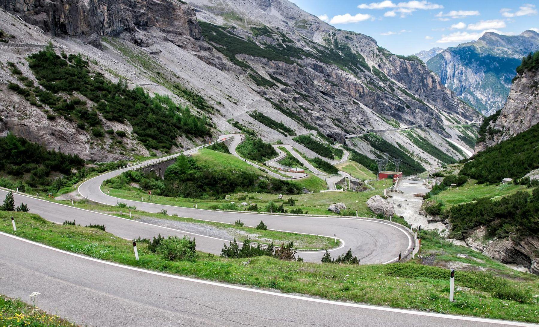 Stilfser Joch Italien Alpen iStock 182276503