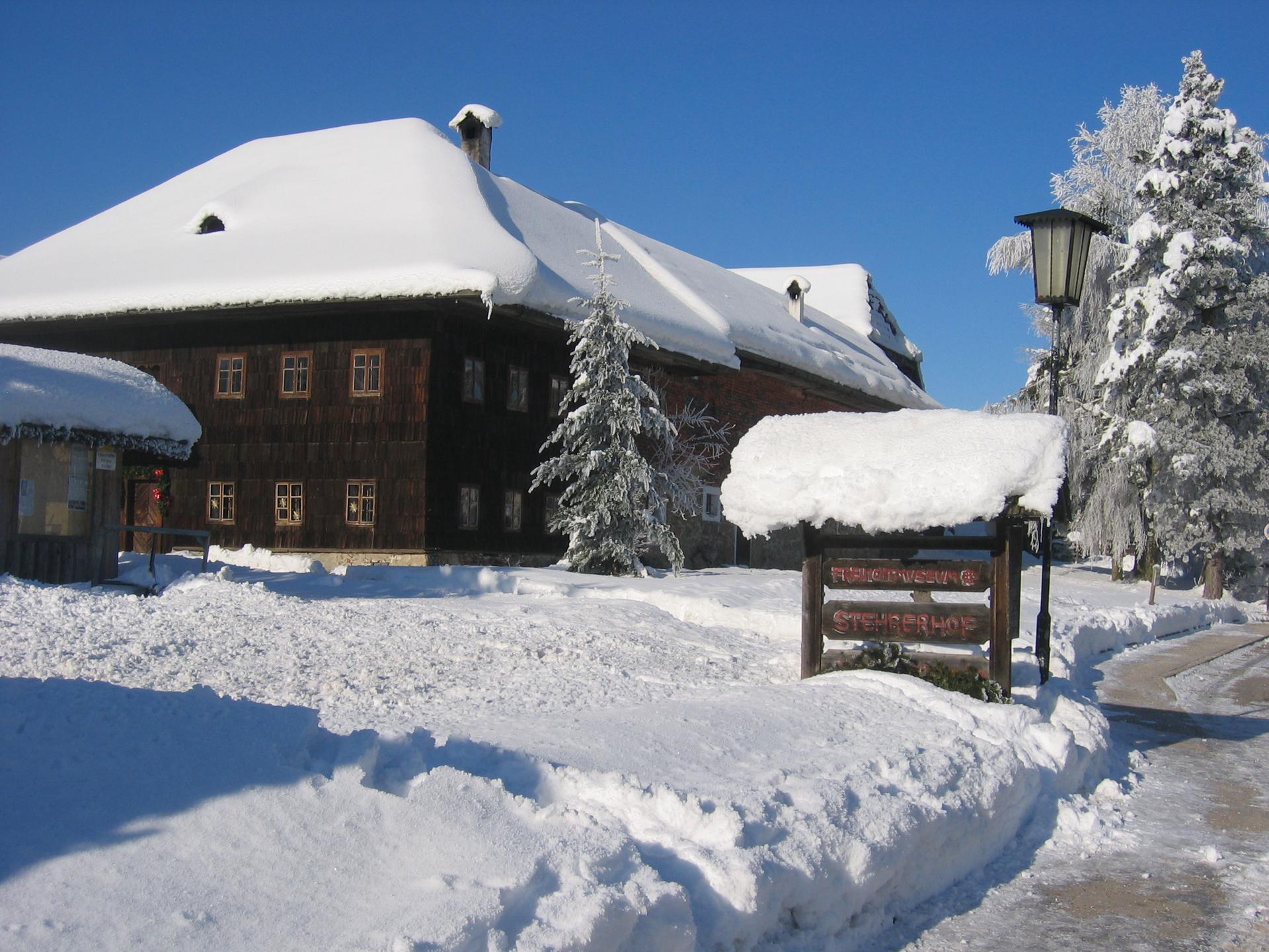 Winterbild Stehrerhof 01