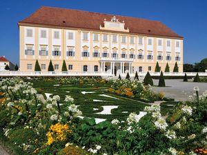 9 Schloss Hof Garten Broderiebeete Terrasse 3 Hof Palace Garden Terrace 3 c Schloss Hof Reinhard Mandl web