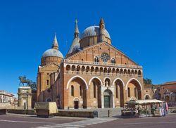Padua St Antonius Basilika 2 01
