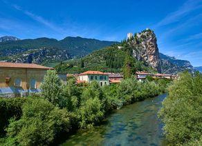 Castle Arco Lago di Garda iStock641159632 web